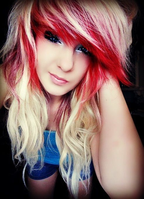 NOT my style of hair but I love how her bangs are done, but with blonde and brown instead. ♥