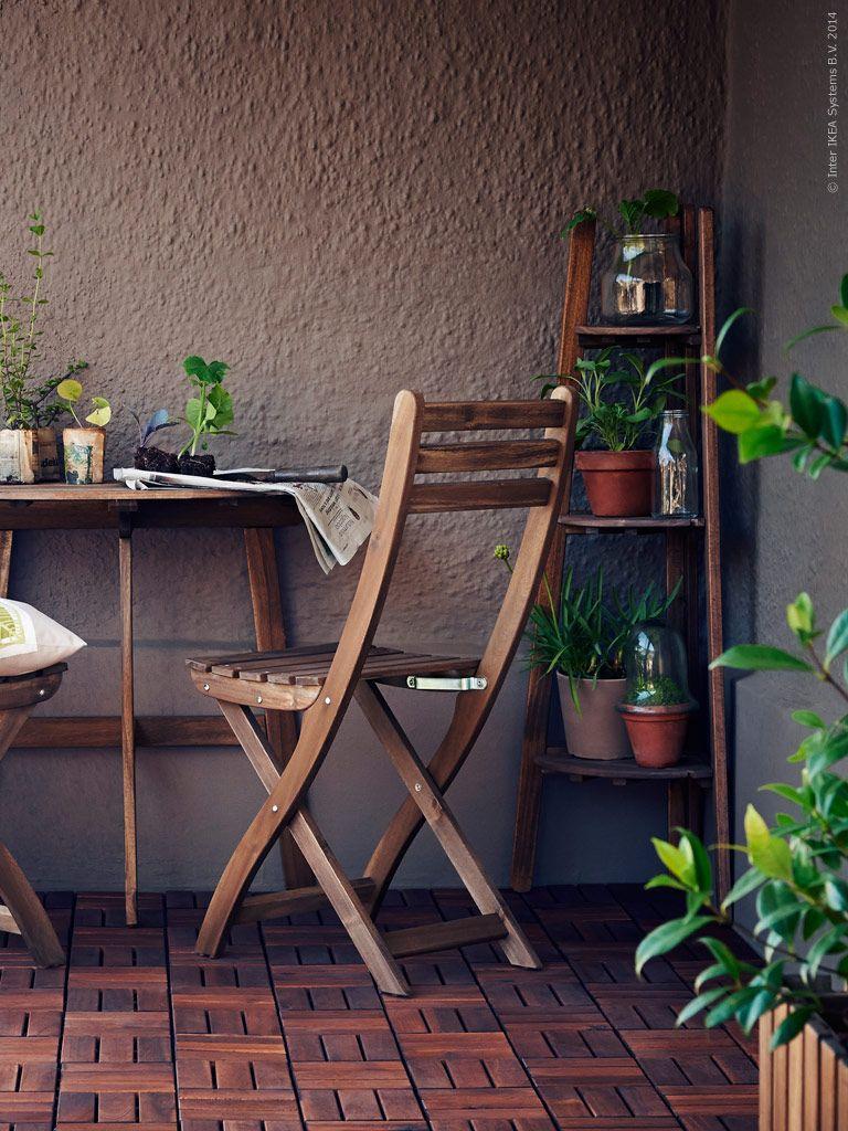 Inredning trall till balkong : Mycket plats på få kvadrat med ASKHOLMEN fällbart bord och ...