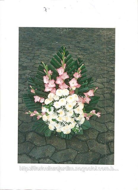 Arranjo Floral De Palmas Com Crisantemos Arranjos De Flores