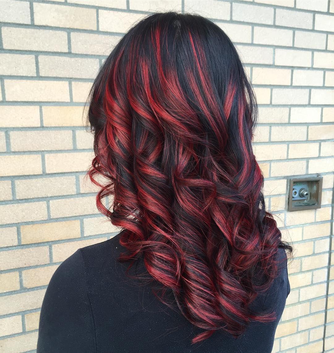 красные пряди на темных волосах фото нарисовал