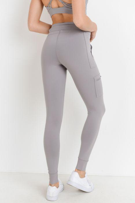 3f3ae0d7470634 Experience the best of both worlds with this hybrid pair of cargo pants and  leggings.