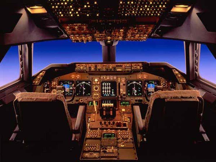 Cockpit boeing b747