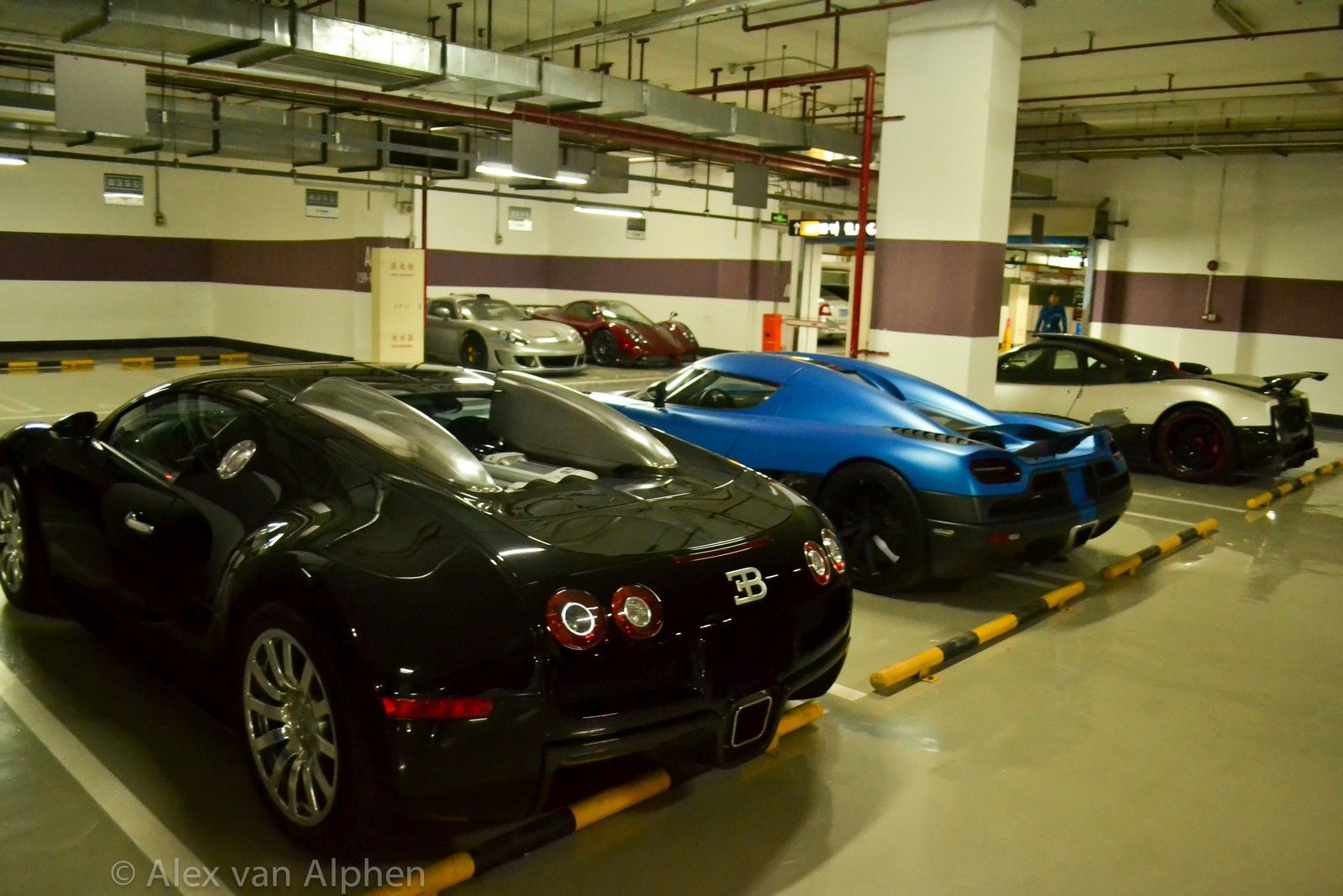Local Garage Chinese Supercar Dealership Fff Automobile 003 Supercar Dealership Super Cars Garage Pictures