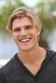 chris zylka facebook