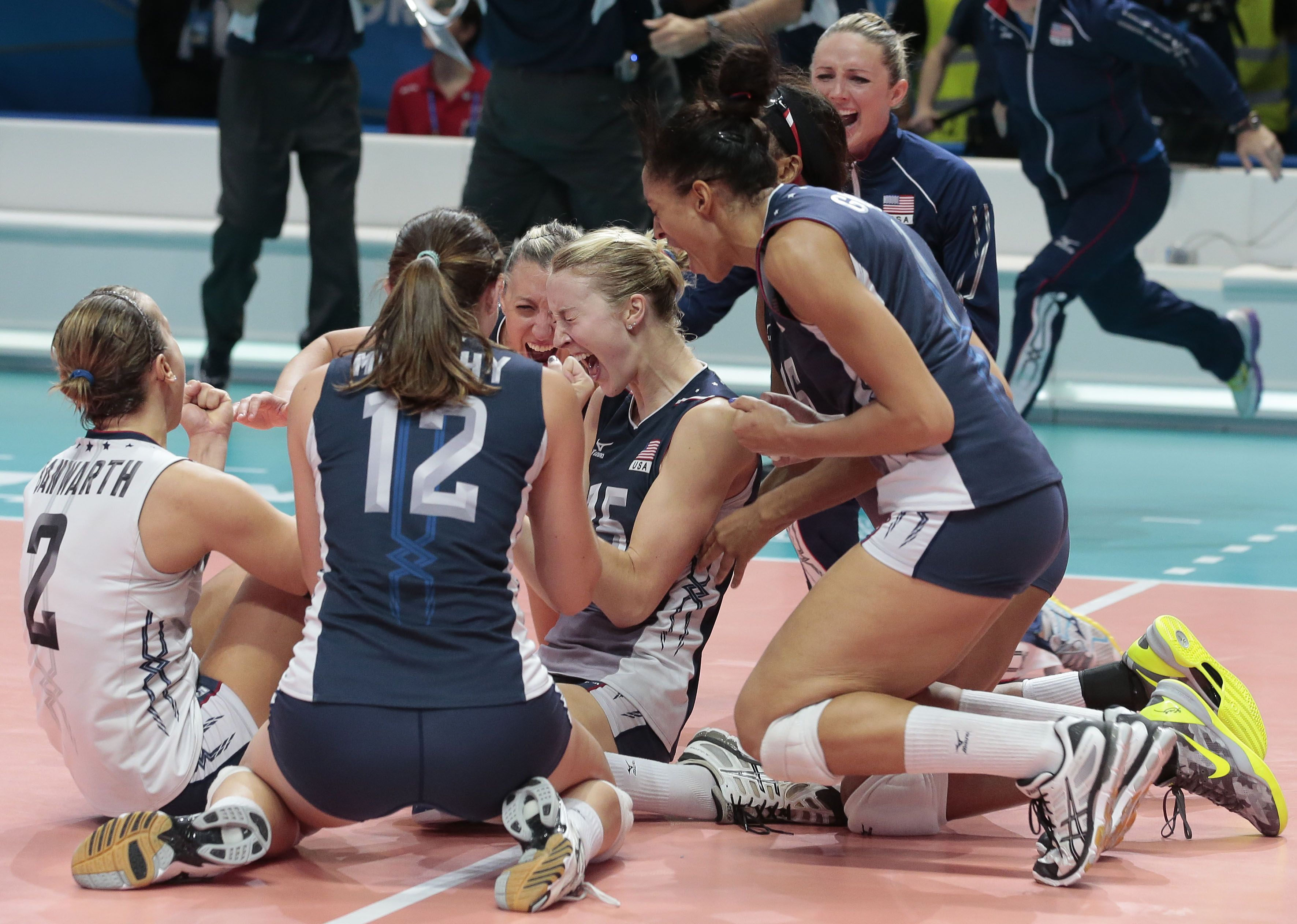 The United States Women S Volleyball Team Wins It S First Major Title After Defeating China 3 1 In The Finals Of Th Women Volleyball Volleyball Volleyball Team