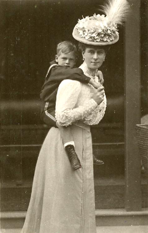 Queen Mary Grandmother Of Queen Elizabeth Ii Carrying Prince