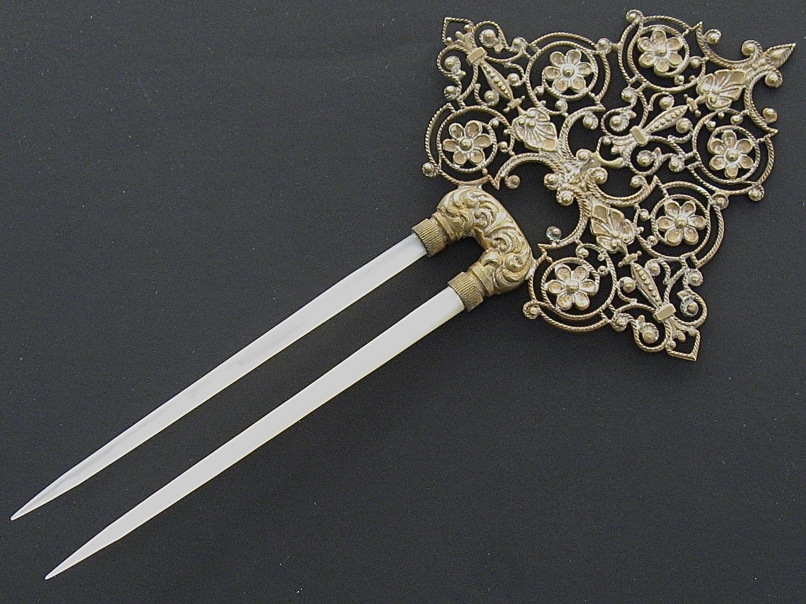 Butterfly hair accessories for weddings uk - Antique Gilt Metal Floral Filigree Mother Of Pearl Hair Comb Hair Pin C 1890
