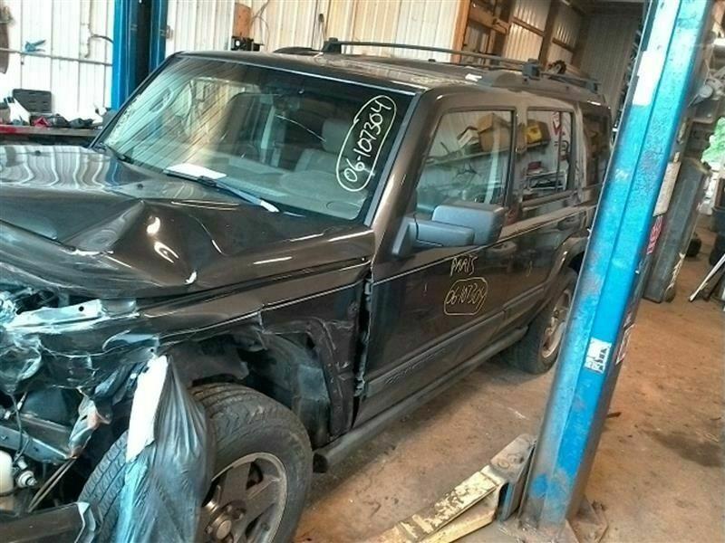 Amazon Com Door Handle For 2005 2009 Chevy Equinox Left Driver Side Inside Interior Front Or Rear 15926295 Automotive