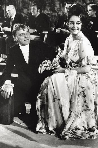 Elizabeth Taylor & Richard Burton's Relationship In Photos