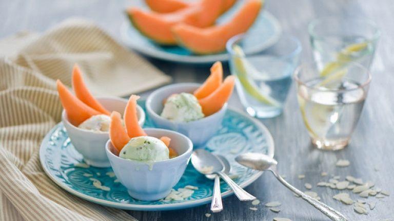 Melone, gelato al basilico rum e angostura, coppa gelato ricetta