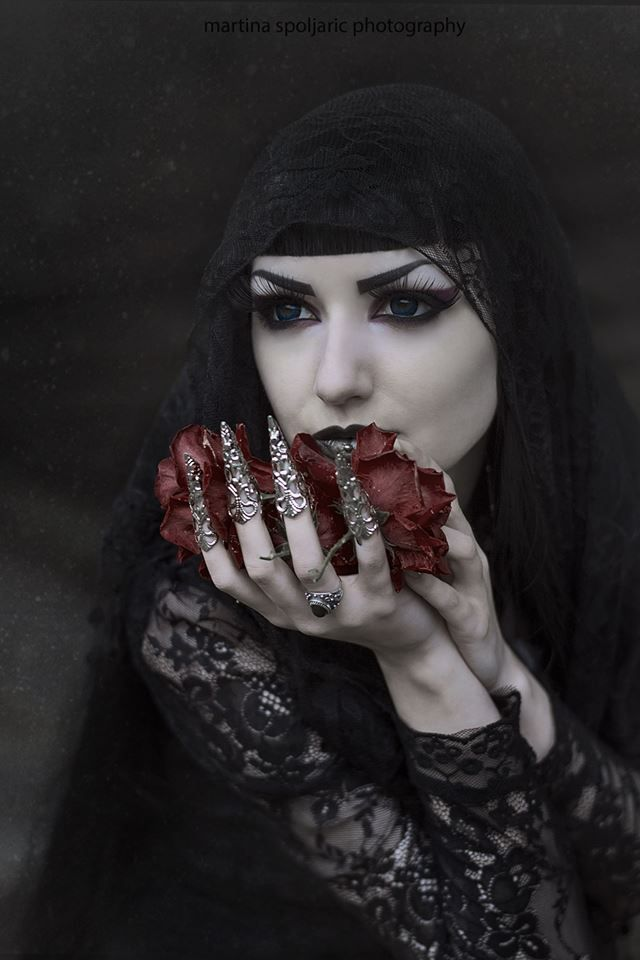 Model, MUA: Obsidian Kerttu Claws: Myril Jewels Blouse: Jawbreaker Lenses: Uniqso Photo: Martina Špoljarić photography