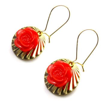 Beautiful rose earrings with wavy 14k Gold plated discs. Simple, elegant and very pretty. Be at your girliest best wearing these.