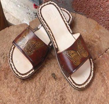 208f89d854b Venta al mayoreo de sandalias artesanales y huaraches de verano y moda para  mujer