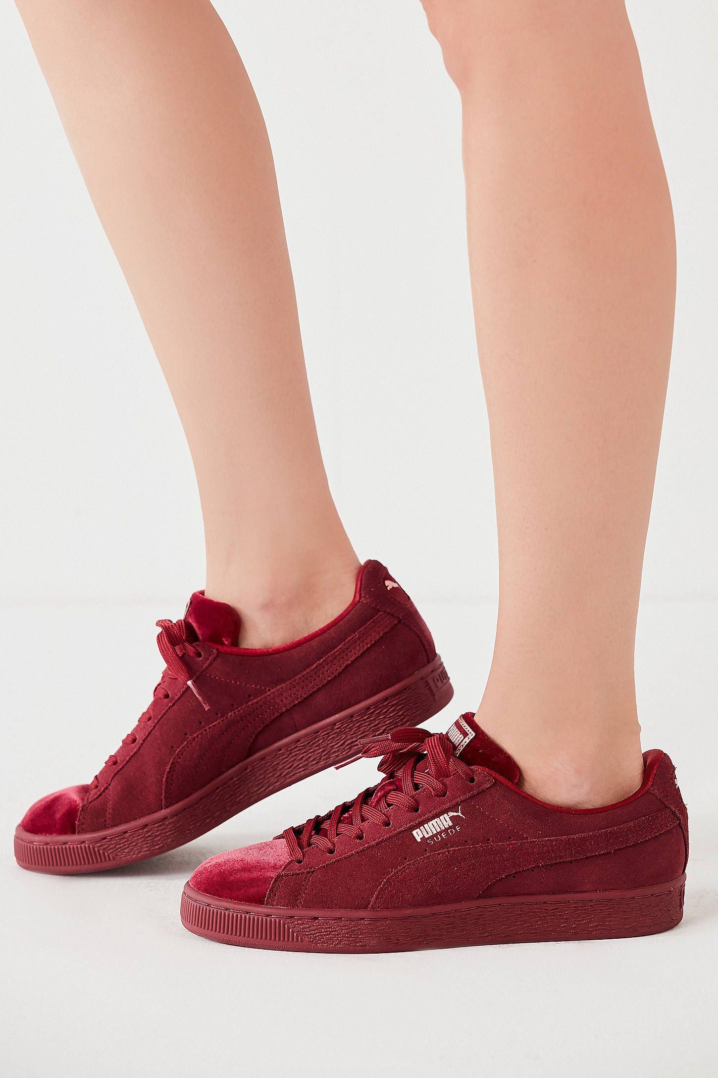 1633f3aa8fa9 Puma Suede Classic Velvet Sneaker