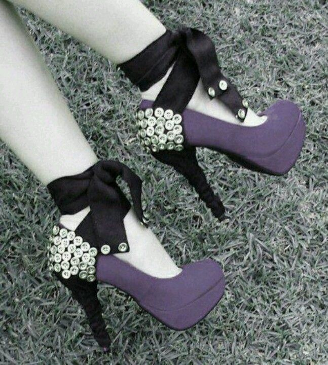 Pretty purple button heels