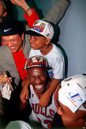 5395c252 Michael Jordan celebrates with son. #tbt #nbafamily | The NBA Family ...
