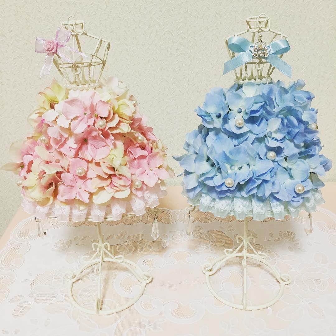 花びらドレスのミニトルソーが可愛い