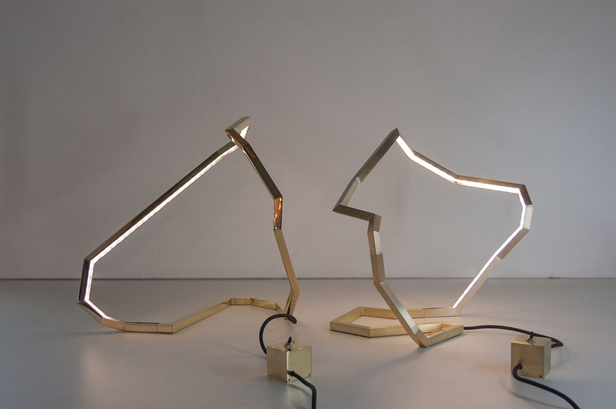 """Les lampes """"Roches"""" réalisées  la main en laiton par l atelier"""