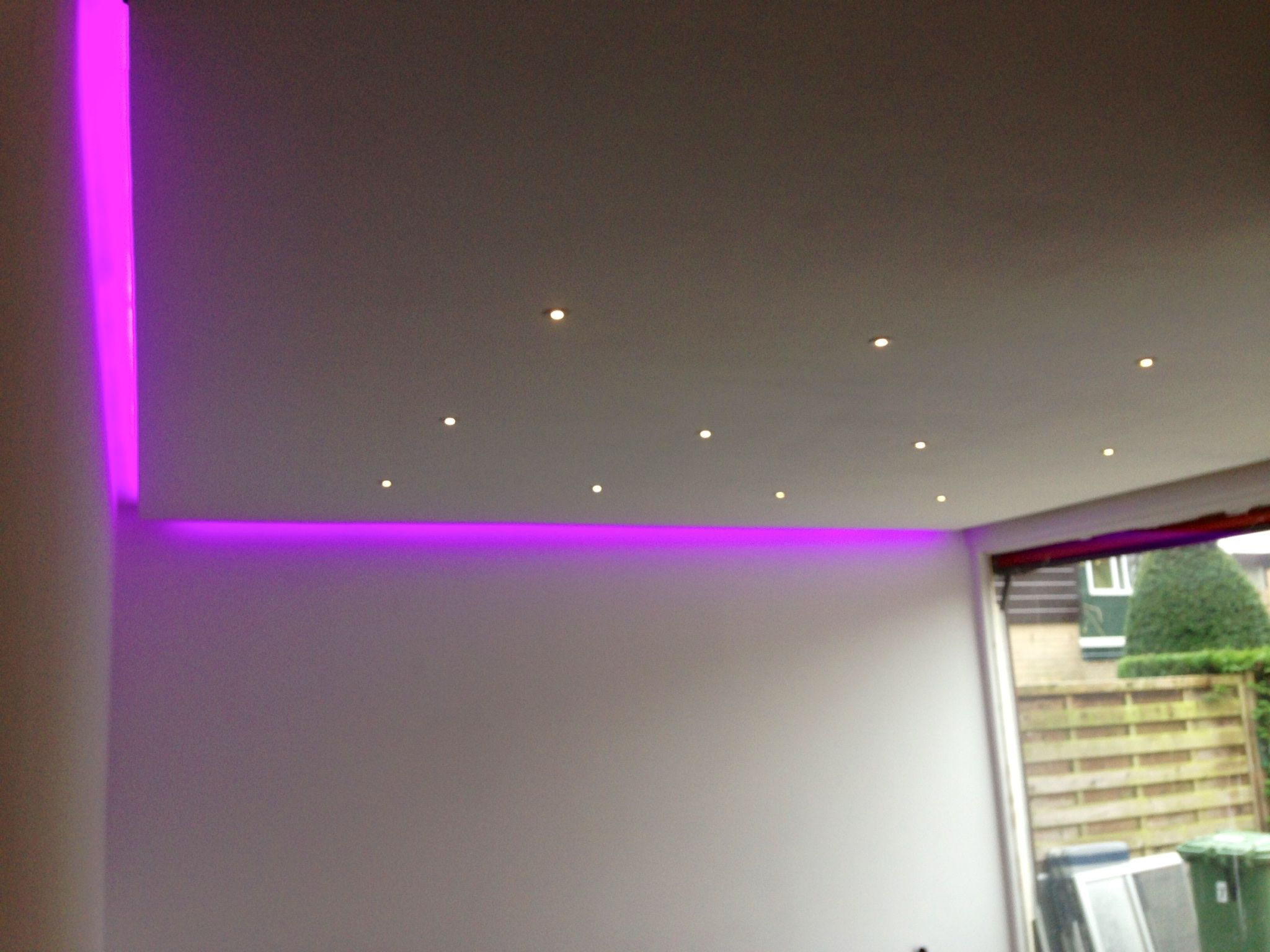 Rgbww Led Strip Langs Het Plafond Verlichting Lichtkoord Led