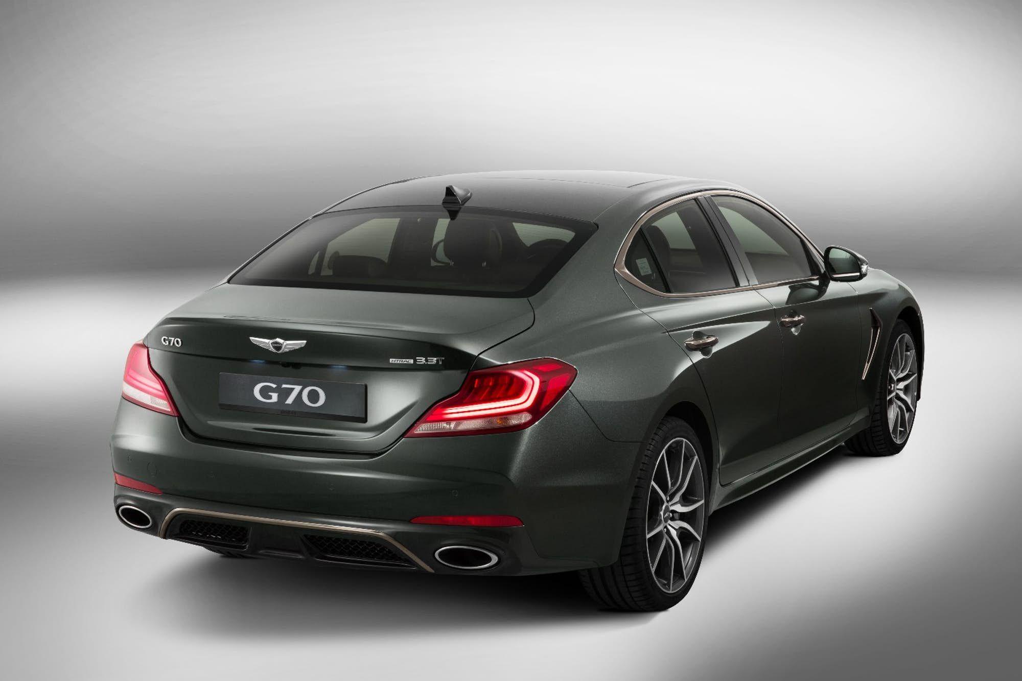 Hyundai Puts Luxury Spin On The Stinger With Genesis G70 Hyundai Genesis Lexus Ls Hyundai