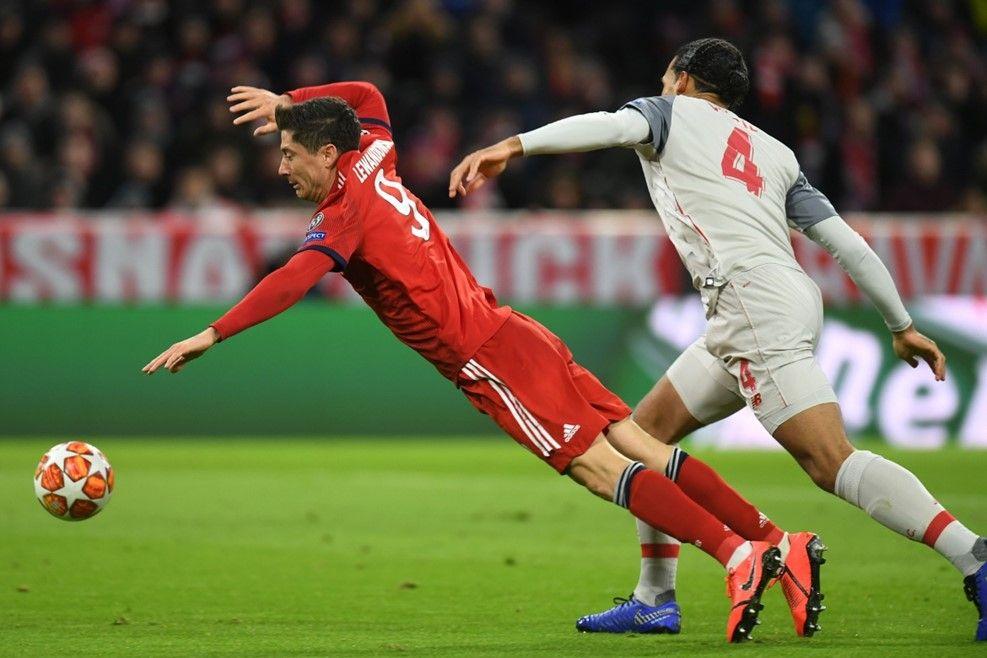 Virgil Van Dijk Vs Robert Lewandowski Liverpool Team Uefa Champions League Liverpool