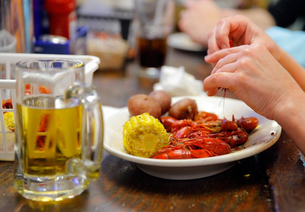 Top 9 Places For Crawfish In New Orleans Crawfish Oyster Bar Oysters