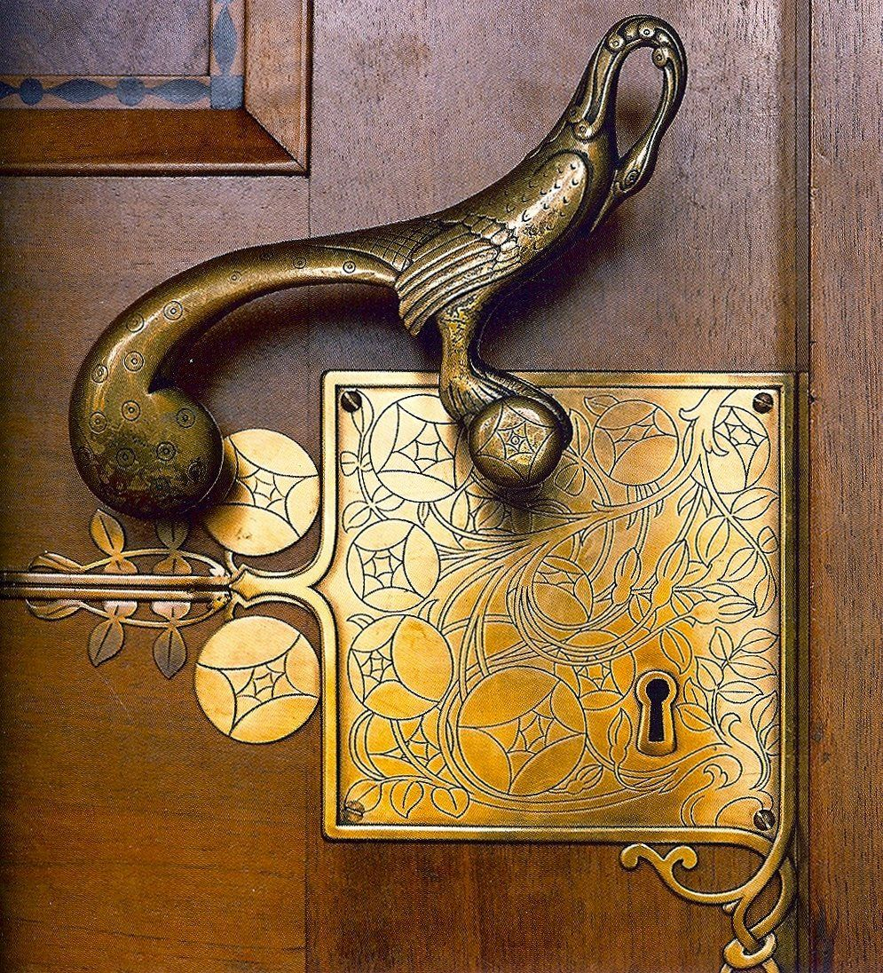 freystupid: door handle by Franz Von Stuck on the entrance to the ...
