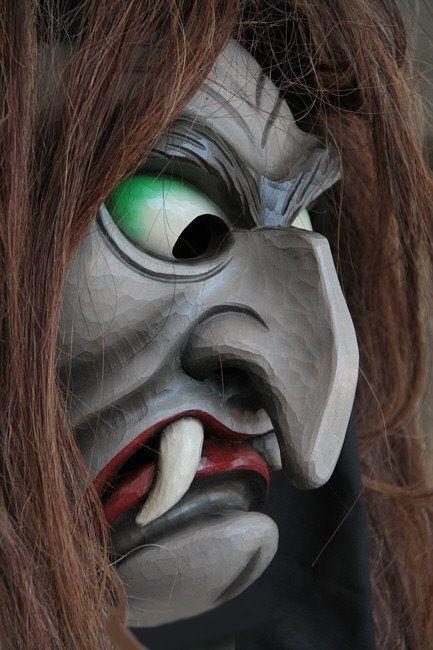 Holzmasken von Edgar Spiegelhalter - Freier Bildhauer | maske ...