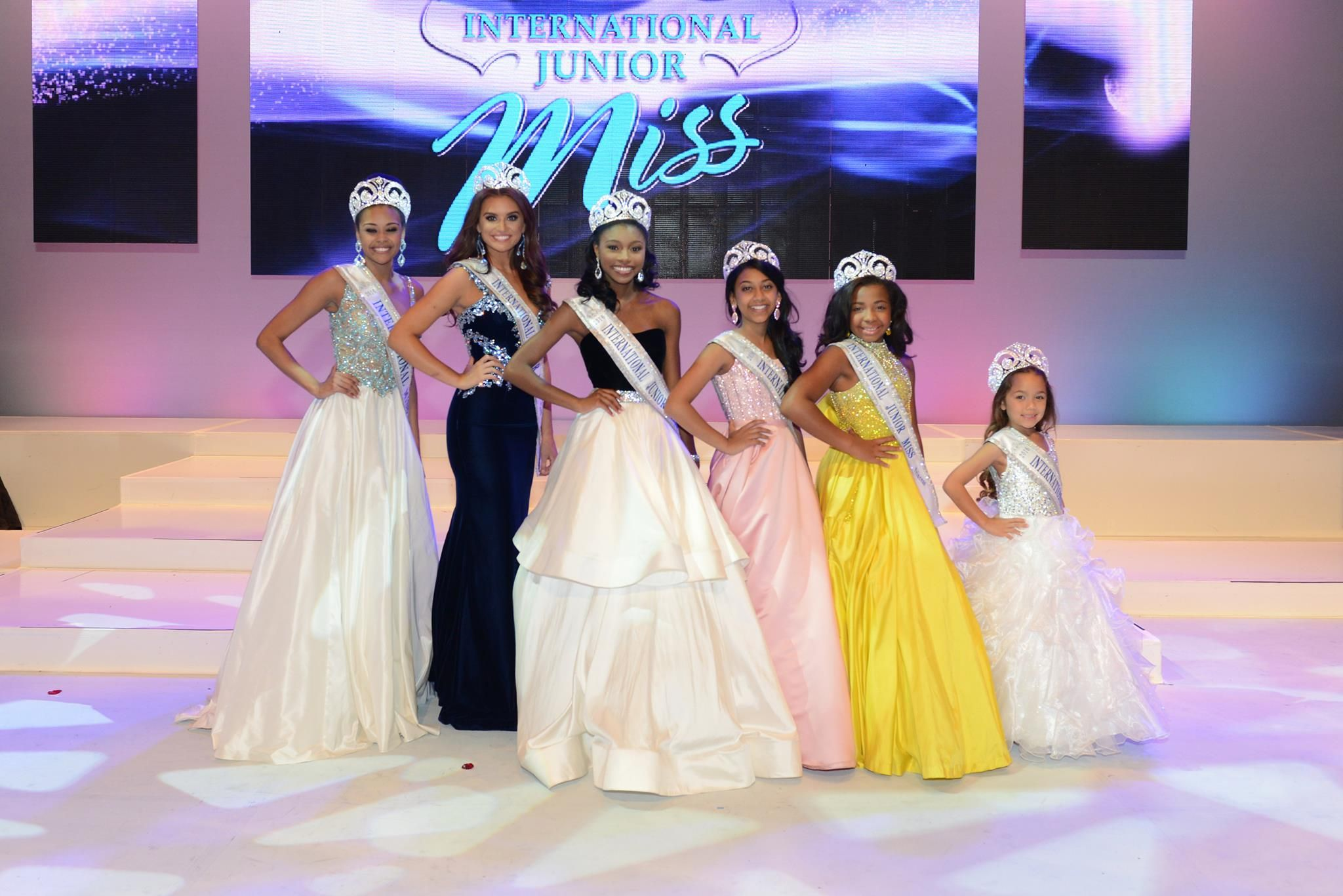 Best Beauty Pageants 2020 Edition Pageant Pageant Systems Miss Pageant