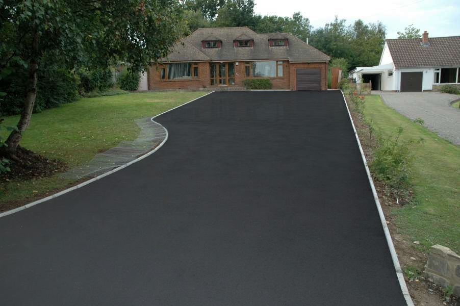 Image Result For Black Stained Concrete Driveway Patio Landscaping Stained Concrete Driveway Easy Landscaping