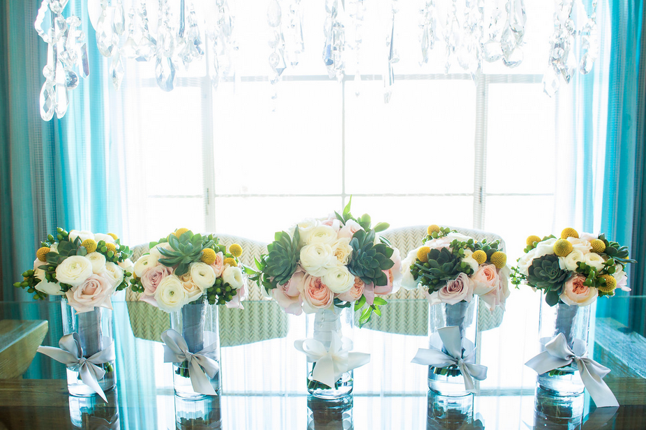 bridal bouquet holders for head table