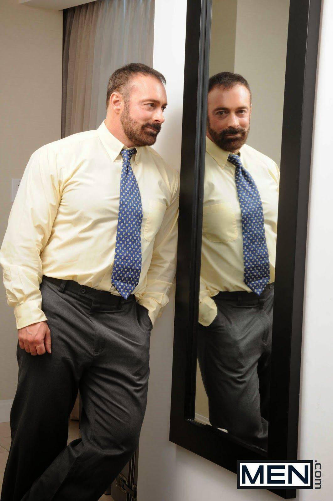 Actor Porno Calbo brad calvo suits in mirror | muscle bear men, beard suit