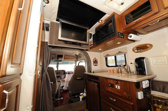 Custom peterbilt sleeper interiors copyright 2010 10 4 magazine and for Custom semi truck sleeper interior