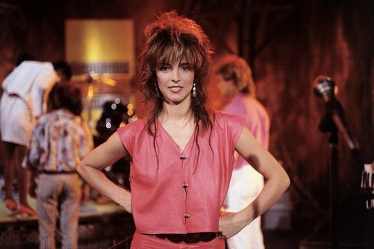 Nena Was Born Gabriele Susanne Kerner On March 24 1960 And Is A 5 6 German Singer Songwriter Actress And Comedian Who Ros 80er Jahre Nena 80er Ombre Haare