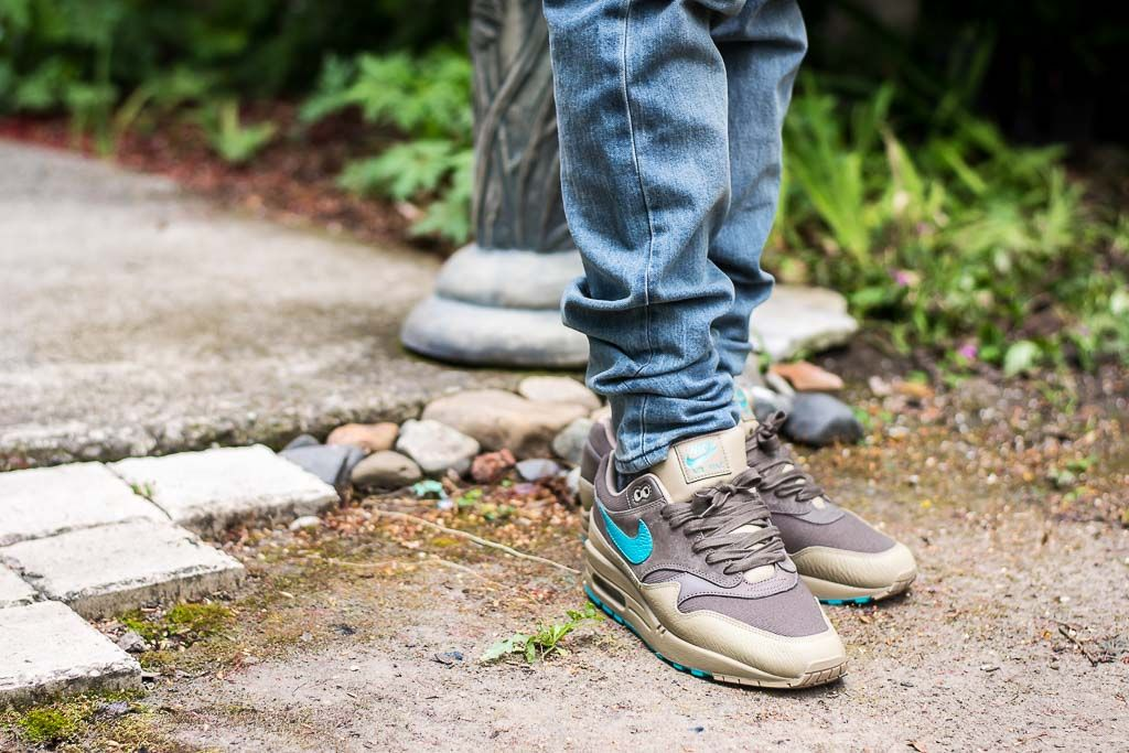 nike air max 1 ridgerock on feet