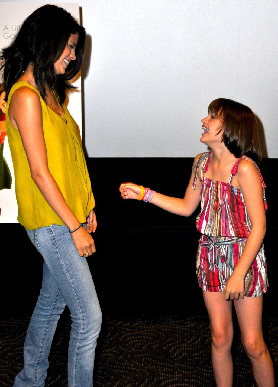 Selena Gomez and Joey King   Joey king, Selena gomez ...