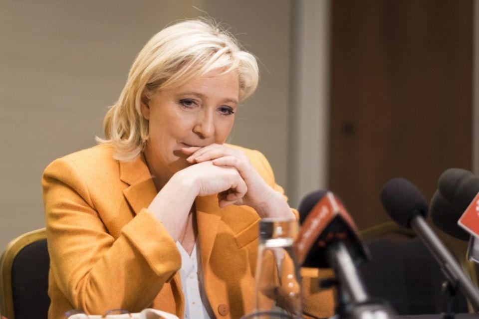Au Québec, Marine Le Pen un peu plus ignorée qu'elle ne le dit Check more at http://info.webissimo.biz/au-quebec-marine-le-pen-un-peu-plus-ignoree-quelle-ne-le-dit/