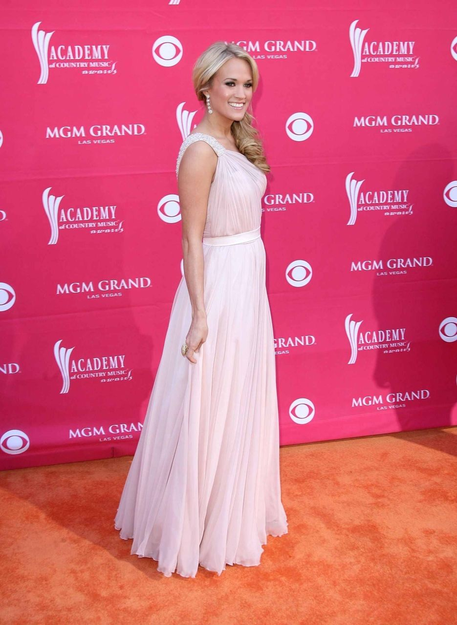 Pin by Kayla Kirk on Carrie Underwood!!!!!! | Pinterest | Carrie and ...