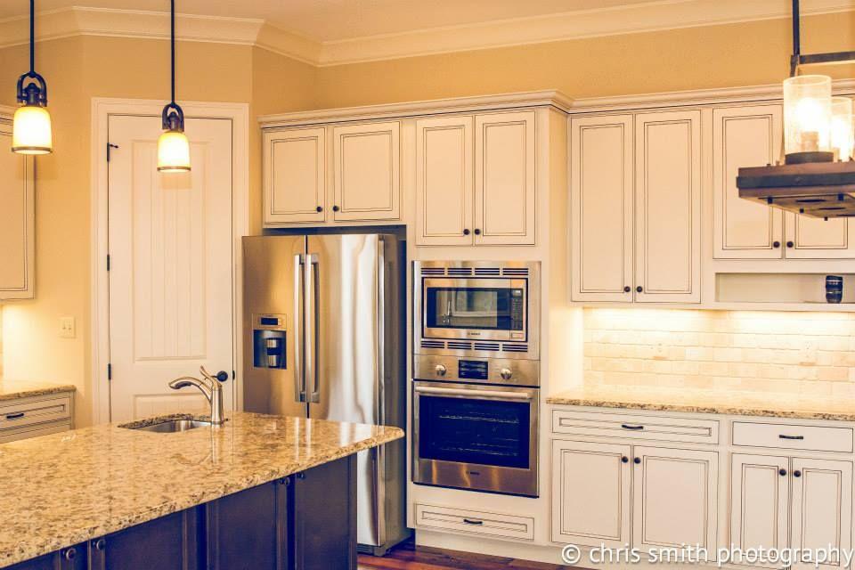 Homecrest Cabinetry Jordan Maple Ivory Mocha Glaze Perimeter Maple Buckboard Island Napoli Granite Kitchen Remodel Top Kitchen Cabinets Grey Kitchen Designs