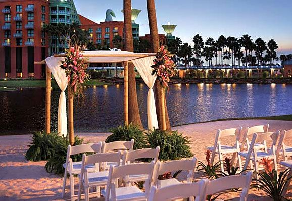 A Beautiful Setting For Dream Wedding At The Walt Disney World Swan And Dolphin Resort