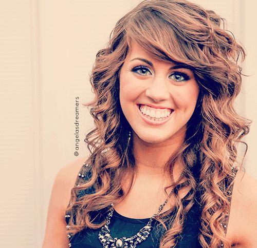Angie Miller. Her voice tho>>> Can i just have her hair??????!!!!!