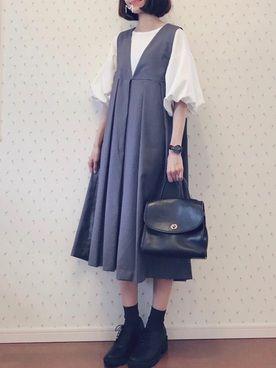 MAYUKOさんの「BIGプリーツジャンパースカート(KBF|ケイビーエフ)」を使ったコーディネート