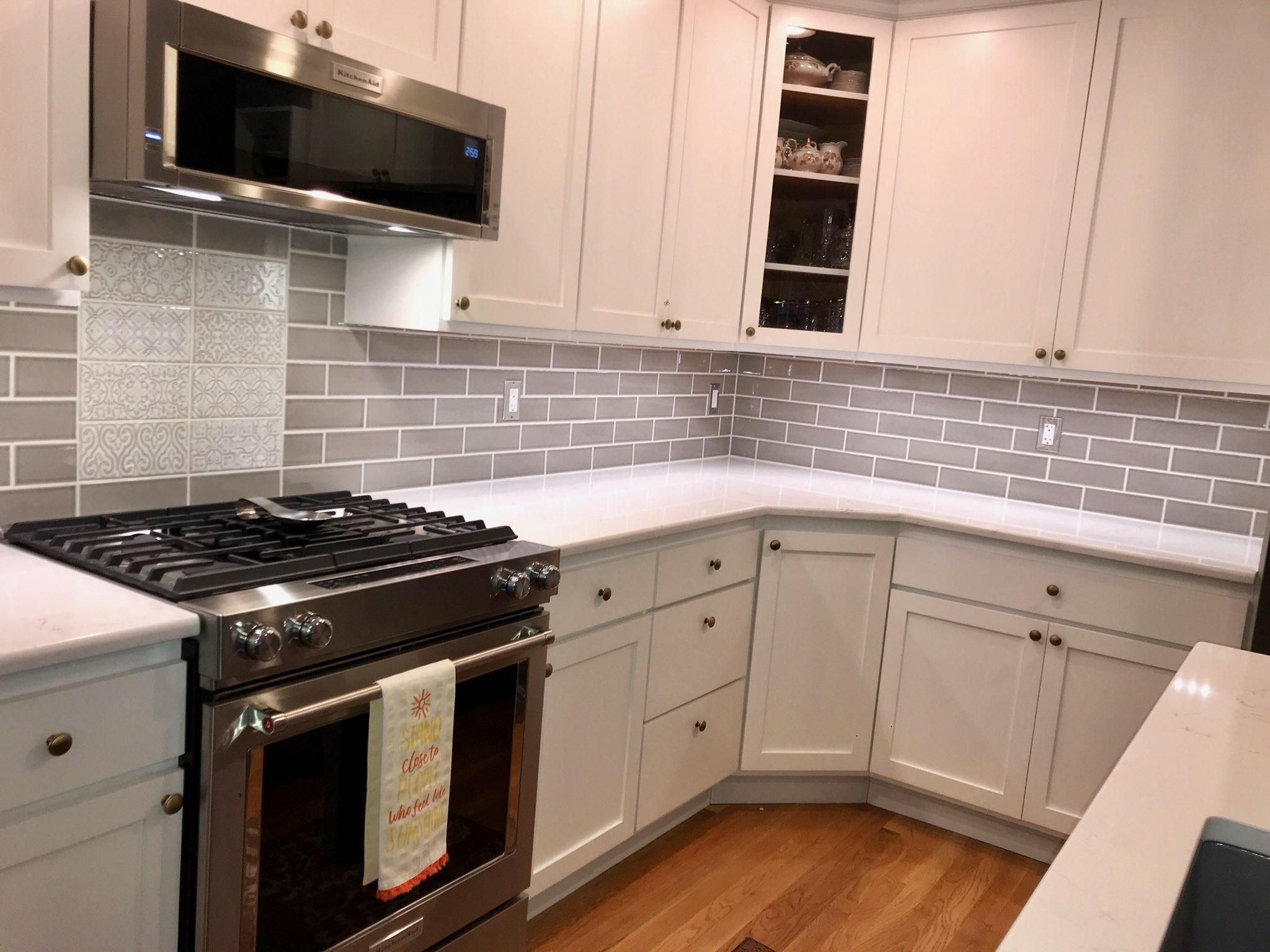White Quartz and Gray subway tile in 2020 Quartz kitchen