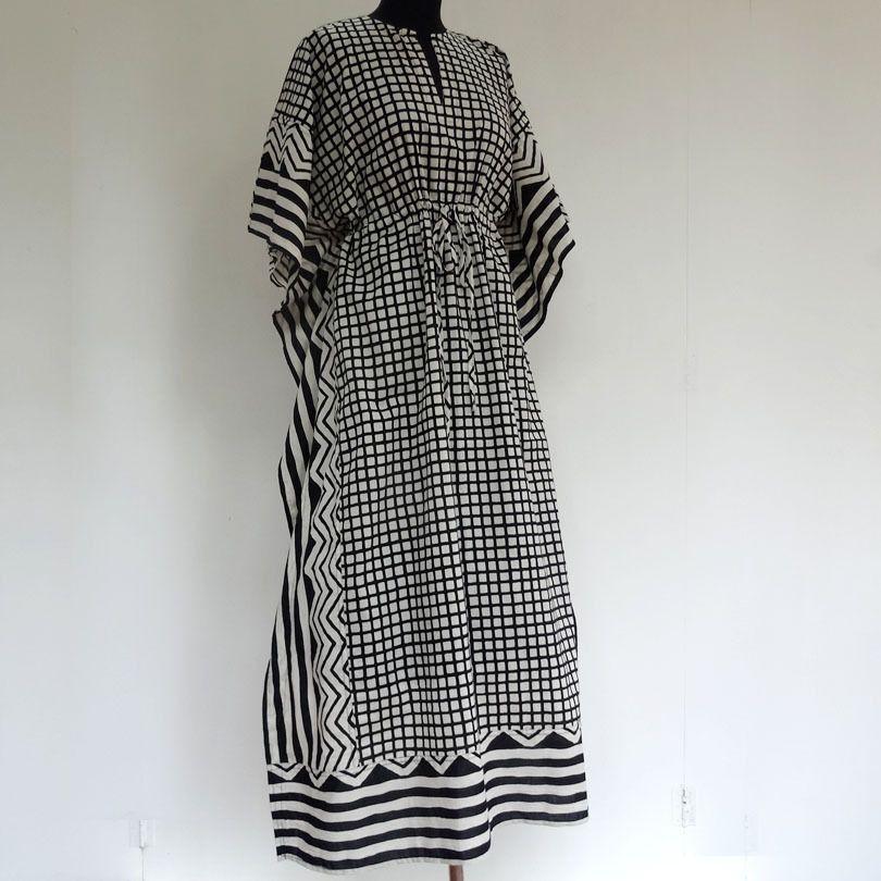 Tunique longue kaftan en coton noir et blanc , impression carreau et