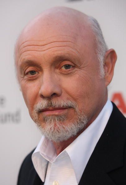 Hector Elizondo  - 2018 Grey hair & alternative hair style.