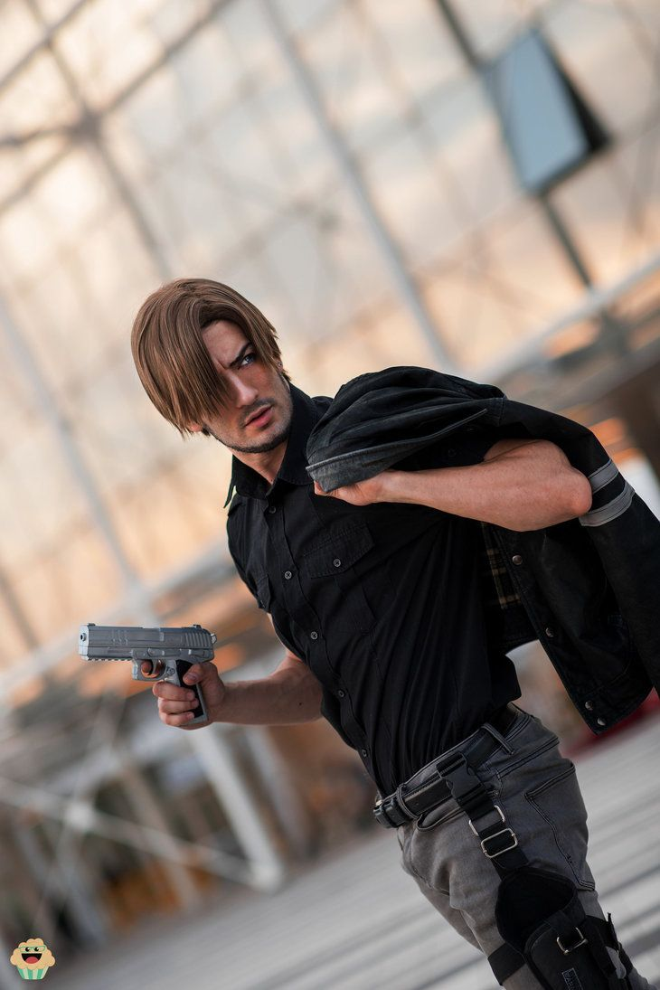 Leon Kennedy Resident Evil Vendetta Cosplay By