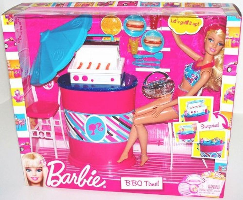 Barbie BBQ Time Barbeque Grill Bar Playset Doll Food Furniture 2010 V8957 NEW