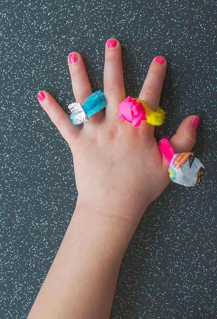DIY Jewelry For Kids The EASIEST Pipe Cleaner Rings - Letu0027s Do Something Crafty & DIY Jewelry For Kids: The EASIEST Pipe Cleaner Rings | Pinterest ...
