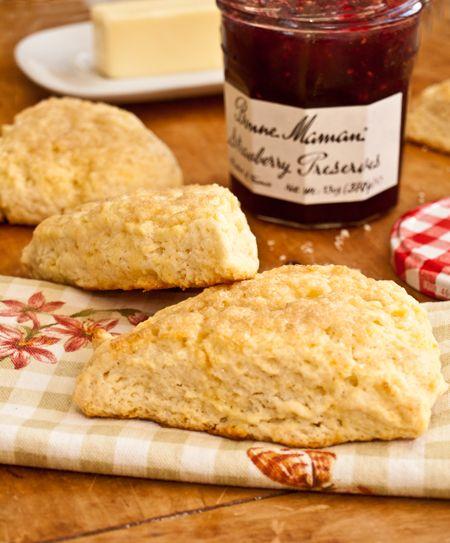 scones, light and tender cream scones