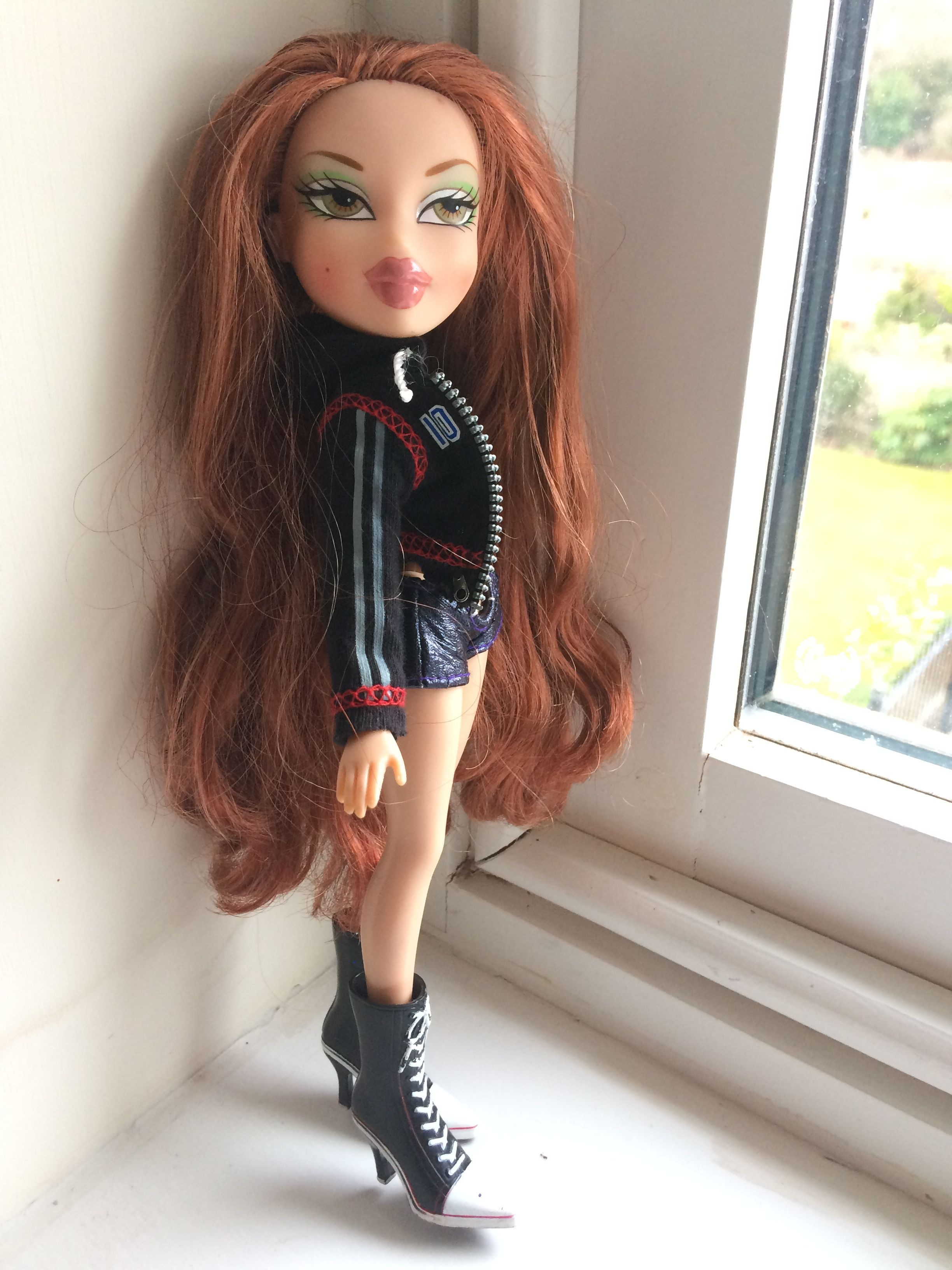 Bratz Head Games Rina Ginger Hair Her Hair Is Perfect I Love Her So Much Bratz Doll Outfits Ginger Hair Her Hair
